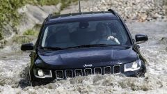 Jeep Compass 4xe: la guida nel guado