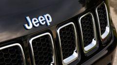 Jeep Compass 4xe plug-in hybrid Limited, dettaglio della calandra