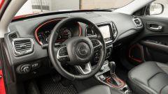 Jeep Compass 4xe Trailhawk: gli interni