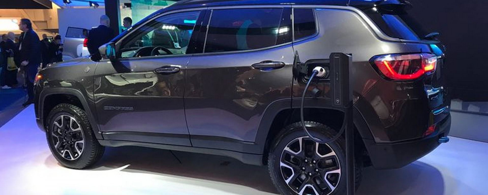 Jeep Compass ibrida plug-in, CES 2020