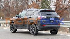 Jeep Compass Trailhawk 2022: 3/4 posteriore