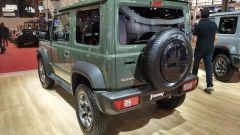 Jeep compatta 2022:  una vista da dietro della piccolina di casa Suzuki