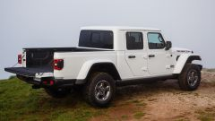 Jeep Gladiator cassone aperto