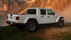 Jeep Gladiator San Martino di Castrozza posteriore