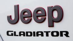 Jeep Gladiator scritta