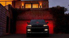 Jeep Grand Cherokee 2021: i fari anteriori a LED
