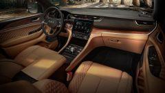 Jeep Grand Cherokee 2021, interni: abitacolo con interni in pelle beige