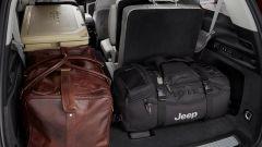 Jeep Grand Cherokee 2021, interni: da 1.300 a quasi 2.400 litri di capacità