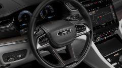 Jeep Grand Cherokee 2021, interni: il volante multifunzione