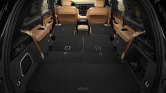 Jeep Grand Cherokee 2021, interni: lo spazio a bordo con la seconda e terza fila di sedili abbassate