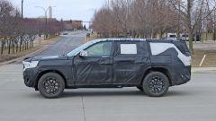 Jeep Grand Cherokee 2021 passo lungo: terza fila di sedili e motori mild-hybrid