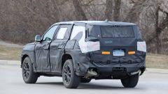 Jeep Grand Cherokee 2021: una vista di 3/4 posteriore