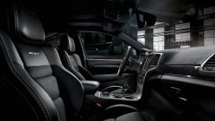 Jeep Grand Cherokee: gli interni della versione SRT