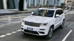 Jeep Grand Cherokee Summit 2017 in prova per le strade di Francoforte
