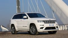 Jeep Grand Cherokee Summit 2017: vista 3/4 anteriore