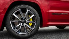 Jeep Grand Cherokee Trackhawk, ha un impianto frenante Brembo con dischi da 40 cm all'anteriore e da 35 al posteriore