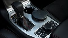 Jeep Grand Cherokee Trailhawk 2019: i comandi del cambio e delle modalità di guida in fuoristrada