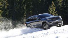 Jeep Grand Cherokee Trailhawk: si riconosce per i cerchi da 18 pollici