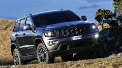 Jeep Grand Cherokee Trailhawk: vista 3/4 anteriore