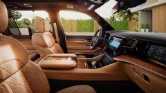 Jeep Grand Wagoneer 2021, interni: l'abitacolo anteriore