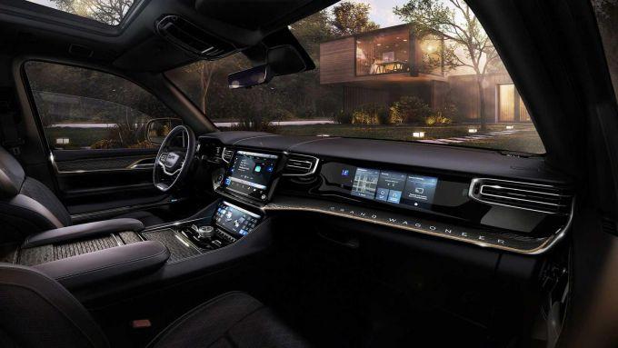 Jeep Grand Wagoneer 2022: lussuoso e tecnologico l'abitacolo