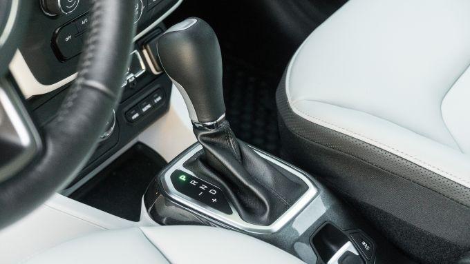 Jeep Renegade 4xe Limited, il cambio automatico è di serie