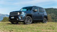 Jeep Renegade 4xe Limited, vista 3/4 anteriore