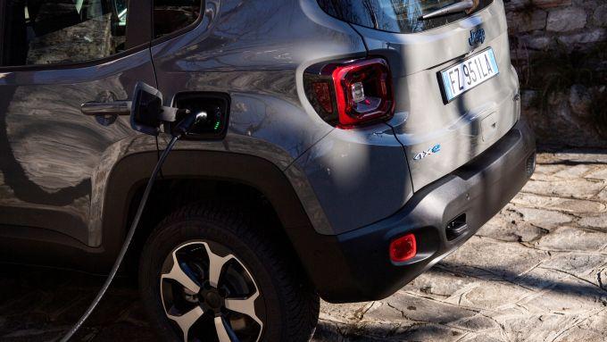 Jeep Renegade 4xe, oltre 50 km in modalità full electric