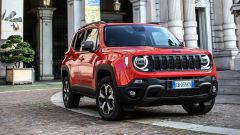 Jeep Renegade 4xe Trailhawk, il frontale