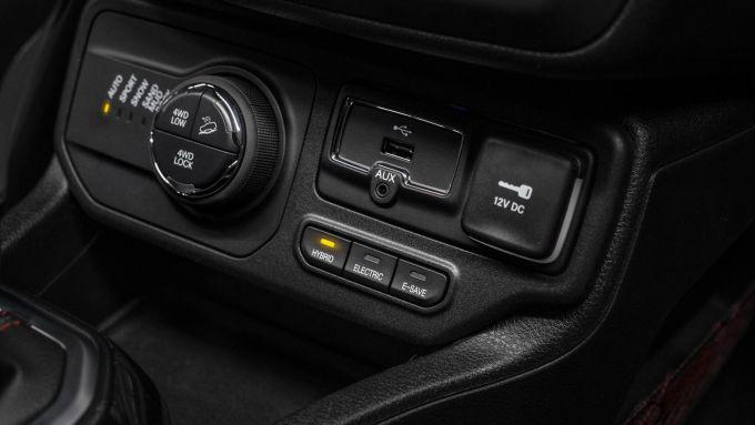 Jeep Renegade 4xe, un particolare degli interni