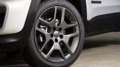 Nuova Jeep Renegade S, il Suv veste sportivo elegante - Immagine: 9
