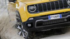 Jeep Renegade Trailhawk: altezza da terra e angoli d'attacco sono maggiorati