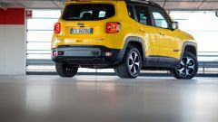 Jeep Renegade Trailhawk: vista 3/4 posteriore