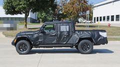 Jeep Scrambler pick up: le foto spia della Sport e della Rubicon - Immagine: 24