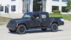 Jeep Scrambler pick up: le foto spia della Sport e della Rubicon - Immagine: 26
