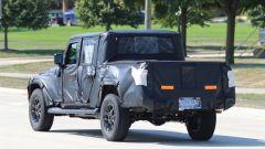 Jeep Scrambler pick up: le foto spia della Sport e della Rubicon - Immagine: 27