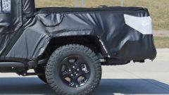 Jeep Scrambler pick up: le foto spia della Sport e della Rubicon - Immagine: 8