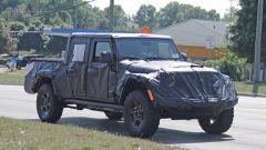 Jeep Scrambler pick up: le foto spia della Sport e della Rubicon - Immagine: 11