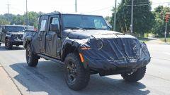 Jeep Scrambler pick up: le foto spia della Sport e della Rubicon - Immagine: 12