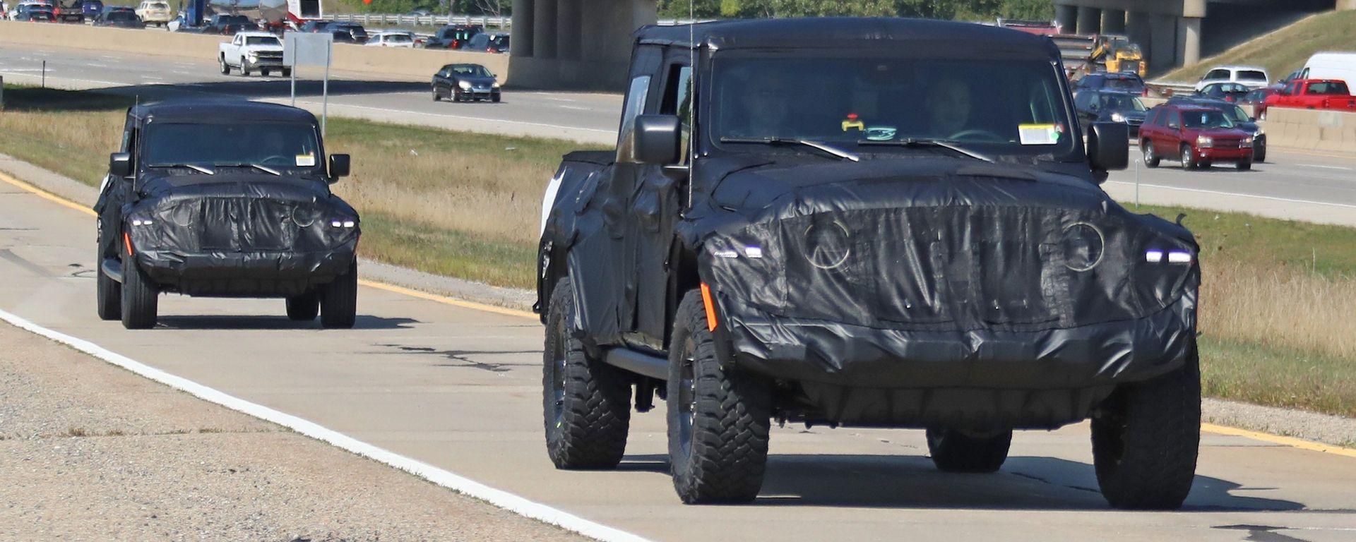 Jeep Scrambler pick up: le foto spia della Sport e della Rubicon