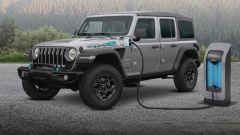Jeep verso l'elettrificazione: la Wrangler 4xe in ricarica