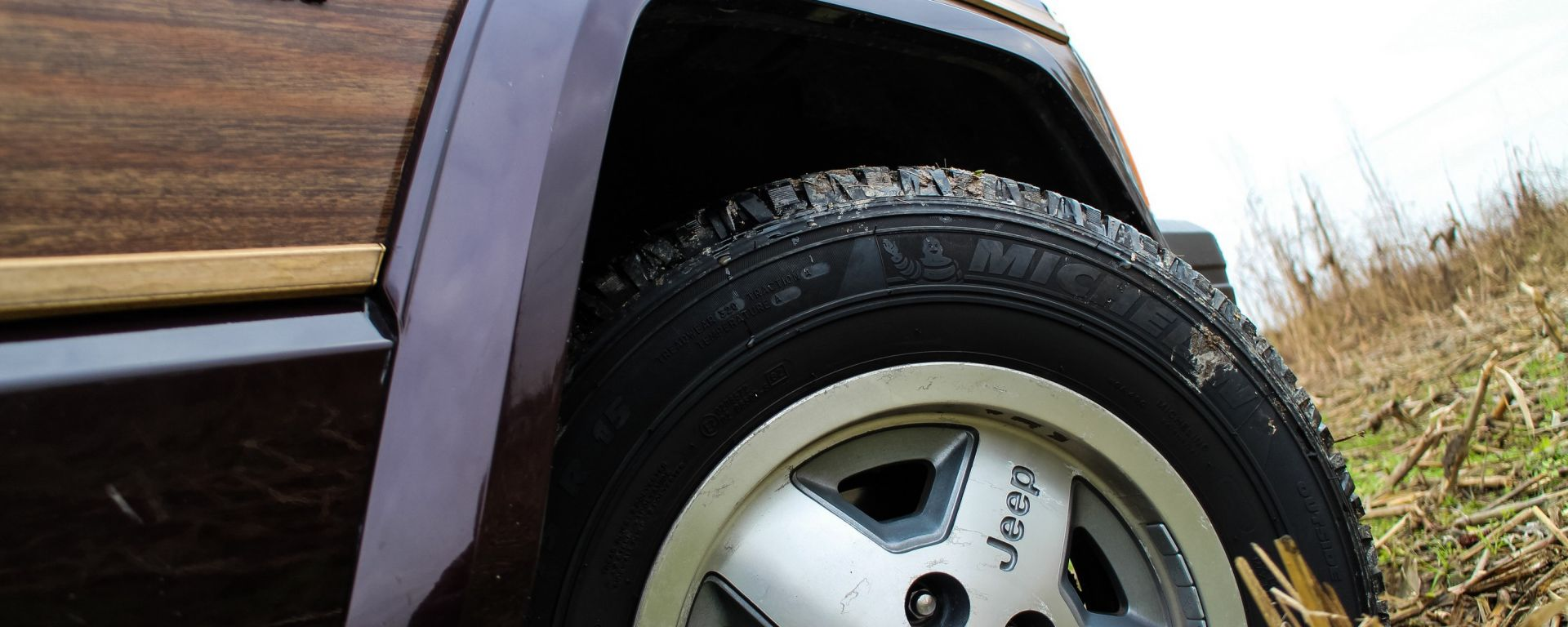 Jeep Wagoneer: gomme e ruote nuove