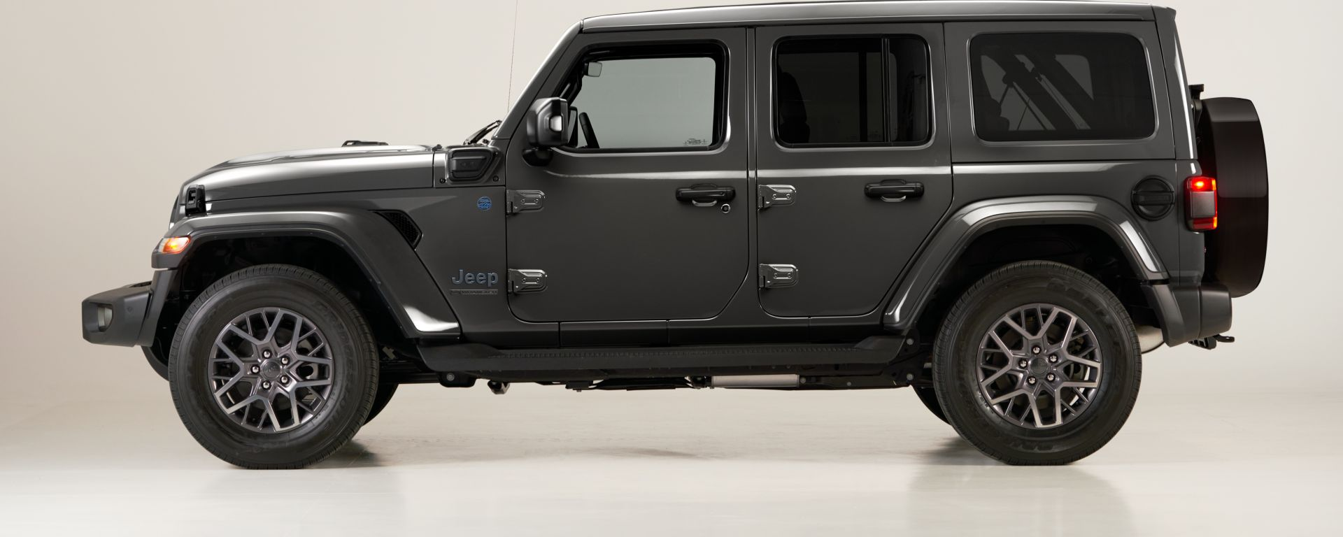 Jeep Wrangler 4xe First Edition 2021: vista laterale