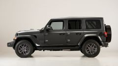 Jeep Wrangler 4xe plug-in: visuale laterale