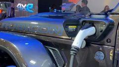 Jeep Wrangler ibrida plug-in, lo sportello di ricarica