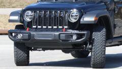 Jeep Wrangler PHEV: dettaglio del frontale