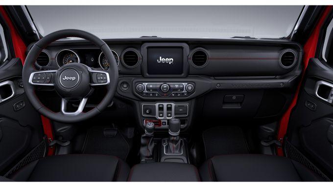 Jeep Wrangler Recon, gli interni