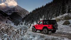 Jeep Wrangler Rubicon 2021, vista 3/4 posteriore