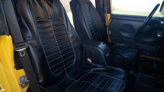 Jeep Wrangler Rubicon 4x4 Limousine 2006, i sedili anteriori