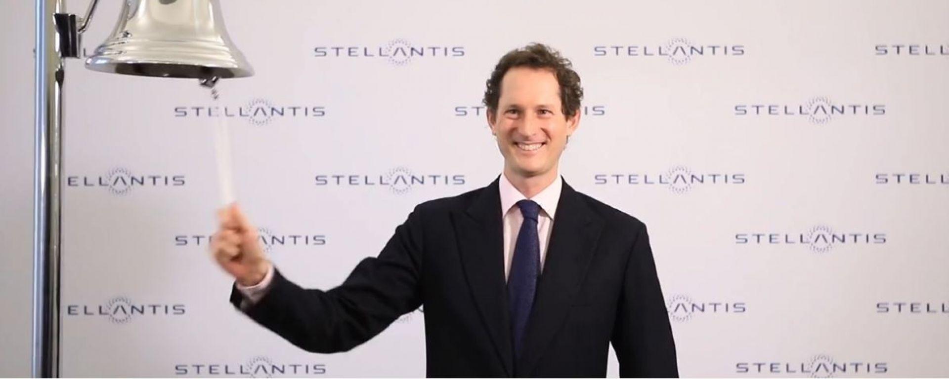 John Elkann a Piazza Affari suona la campanella: Stellantis è sul mercato azionario